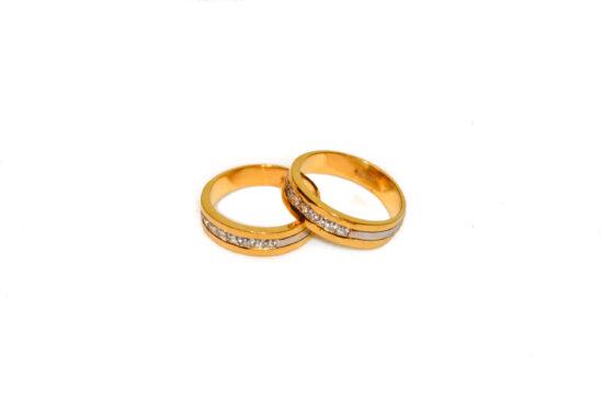 couple-rings-007.jpg