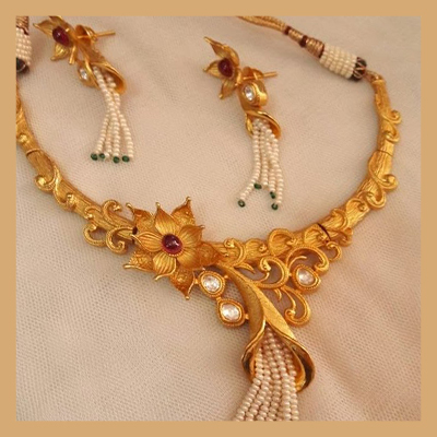 squarebanners - 400-Necklace.jpg